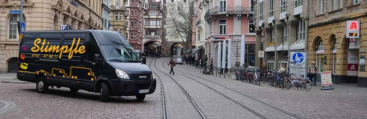 Stimpfle Transporter In Der Innenstadt Von Freiburg