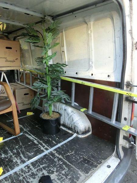 g nstige transporter vermietung lkw vermietung umzugswagen in freiburg. Black Bedroom Furniture Sets. Home Design Ideas