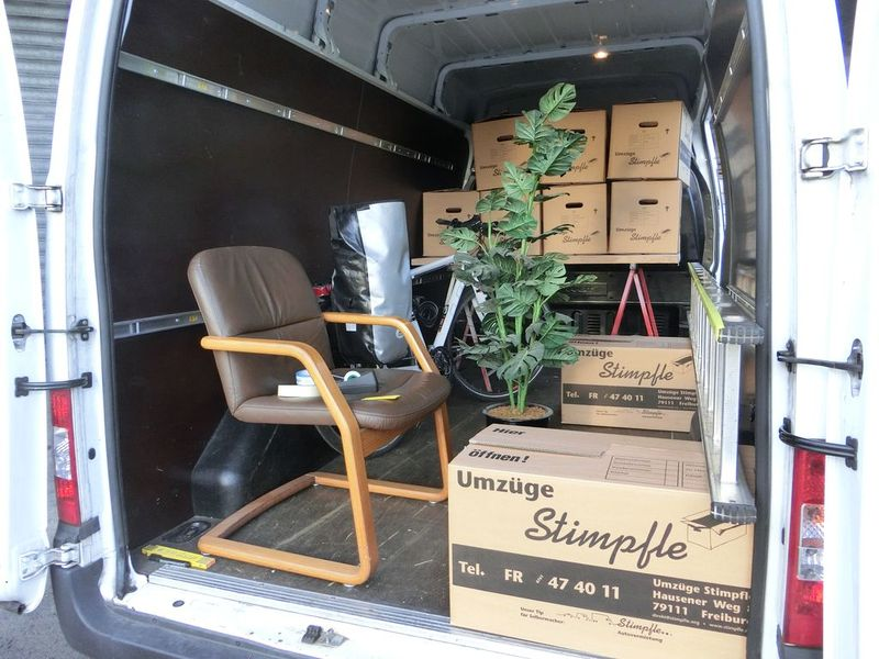 gnstige umzugswagen lkw vermietung with gnstige. Black Bedroom Furniture Sets. Home Design Ideas